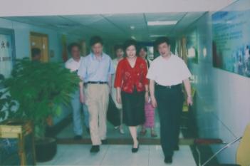 2007年,上海科学院领导莅临我院指导工作