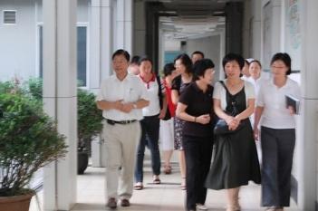 2008年,上海市医保局领导莅临我院指导工作